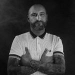 Dany Kunz, Gründer des Ace Cafe lässt sich Tattoos entfernen